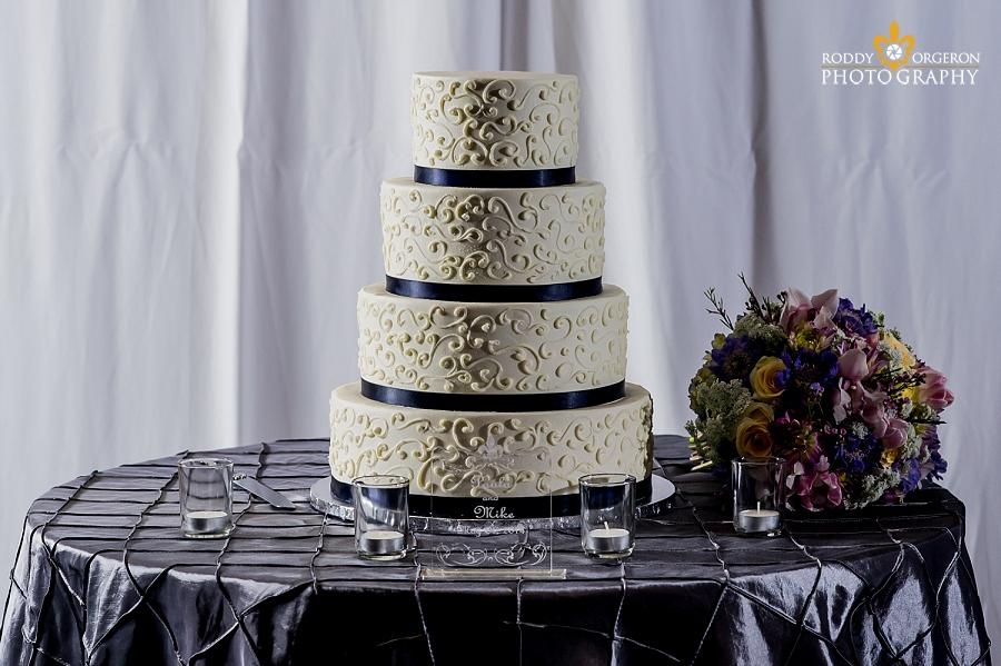 Beautiful wedding cake New Orleans