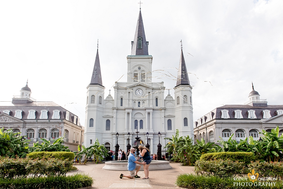 Proposal in front of the Saint Louis Cathedral