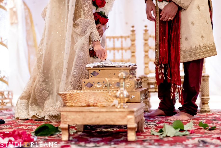 New Orleans Indian wedding ceremony at the Roosevelt hotel
