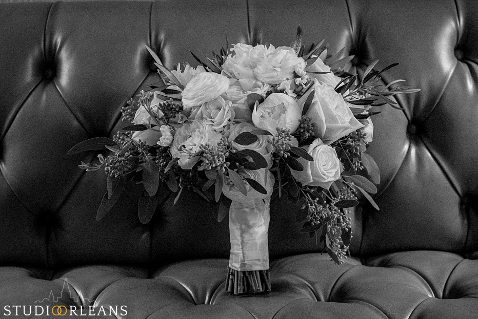 Chateau Lemoyne hotel wedding prep with a Kim Starr Wise bouquet